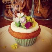 「ABC Cooking Studio」でRainbow Caravanによる虹色カップケーキのワークショップ開催!